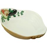 Miska tvaru mušle s malovanými dary moře