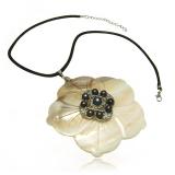 Náhrdelník vykládaná perleť a perly tahiti