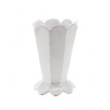 Váza bílá s podstavcem a vlnkami, vysoká 28cm