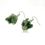 Náušnice s drobnými kameny zelinkavého jadeitu